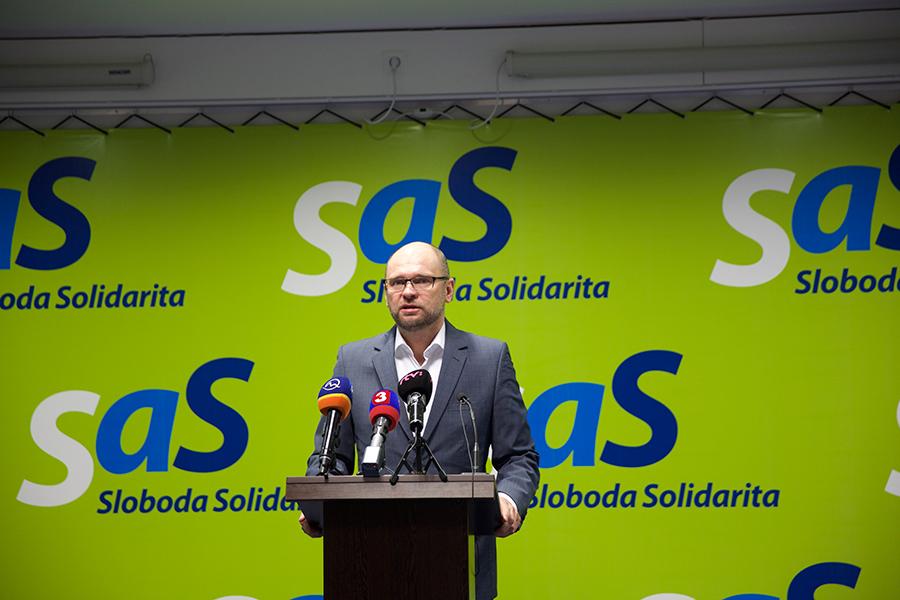 Richard Sulík na tlačovej konferencii strany SaS (2016).