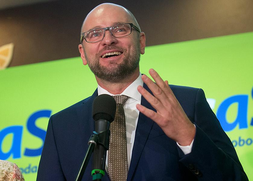 Na snímke predseda strany Sloboda a solidarita (SaS) Richard Sulík počas brífingu s novinármi na programovej konferencii politickej strany SaS v Modre 12. novembra 2016.