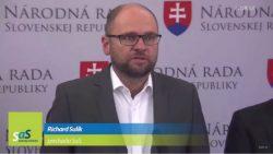 Nové protiteroristické zákony – kamufláž, aby sa Slovensko priblížilo k policajnému štátu