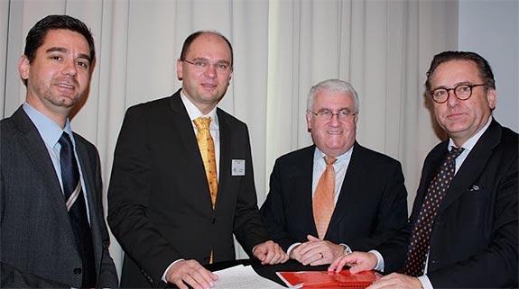 Richard Sulík medzi členmi strany SaS 2011