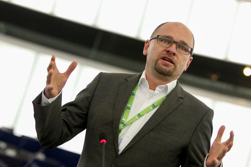 Plenárne zasadnutie v Štrasburgu, Europarlament, 16.12.2014 – Vystúpenie Richarda Sulíka v rámci rozpravy Preskúmanie balíka šiestich legislatívnych aktov a balíka dvoch legislatívnych aktov z hľadiska správy hospodárskych záležitostí