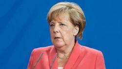 Angela Merkelová porušuje nemeckú ústavu