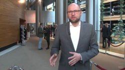 Europarlamentné hlasovanie o znížení spotreby ľahkých plastových tašiek | Videokomentár