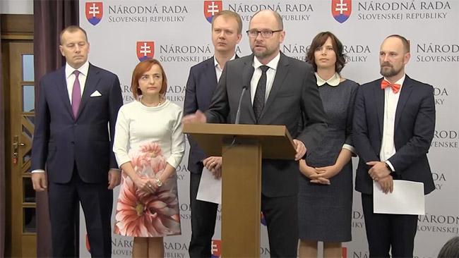 Doktor Bžán spor oGabčíkovo - Richard Sulík