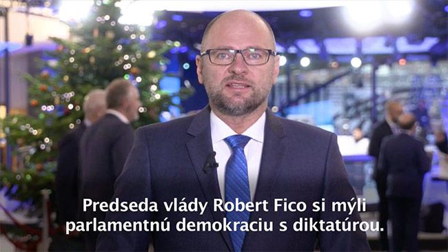 Skrátené legislatívne konanie - Fico vydiera poslancov
