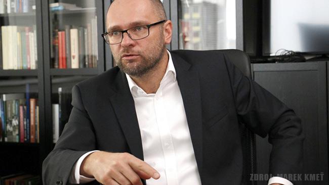 Andrej Danko a poukážky na chlieb - Richard Sulík